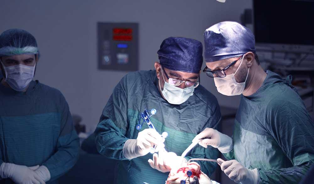 Robotik Diz Protezi Ameliyatı Yan Etkileri Neler?